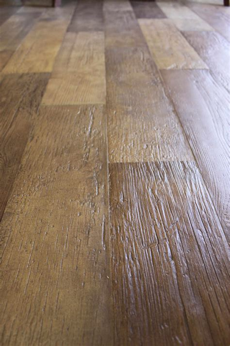 porcelain tile floor that looks like wood pretty cool