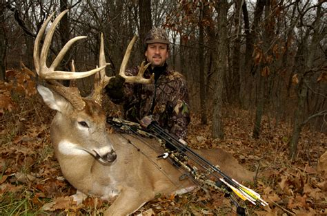 how to a to hunt small how to hunt small properties in the midwest midwest whitetail