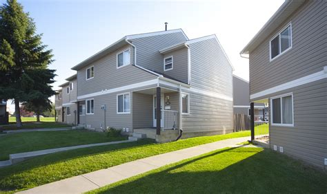 3 Bedrooms Edmonton North East Townhouse For Rent Ad Id Three Bedroom Townhouse For Rent