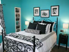 good Mature Teenage Girl Bedroom Ideas #3: HSTAR5_Hampton-blue-black-white-bedroom_s4x3_lg.jpg