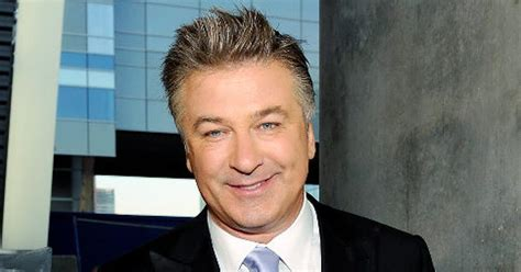 Alec Baldwin Pays For Soldiers College Tuition by Alec Baldwin S Big Htons Donation Ny Daily News