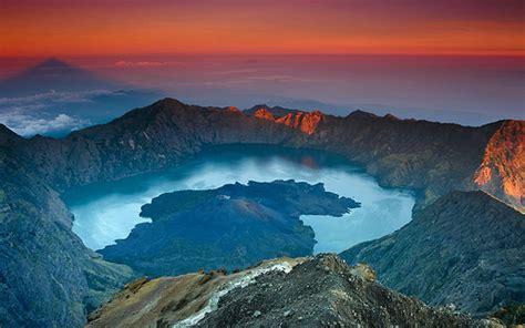 wallpaper anak gunung gambar gunung rinjani lombok download gratis