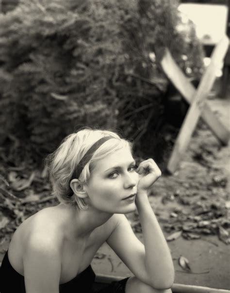 Kirsten Dunst Is A Lovely Creature by The Sea Has Neither Meaning Nor Pity Crushes