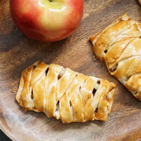 Conjured mana strudel (easy apple strudel!)   Bijoux & Bits