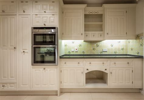 smallbone kitchen cabinets smallbone devizes oak kitchen kevin mapstone