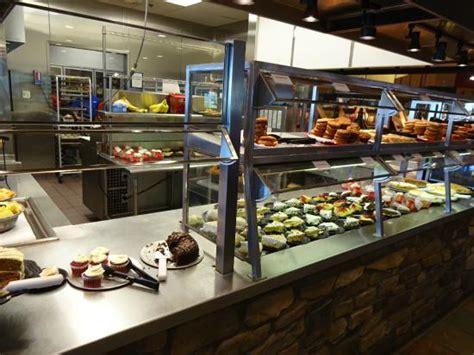 たくさんの料理が並ぶ picture of wood grill buffet harrisonburg
