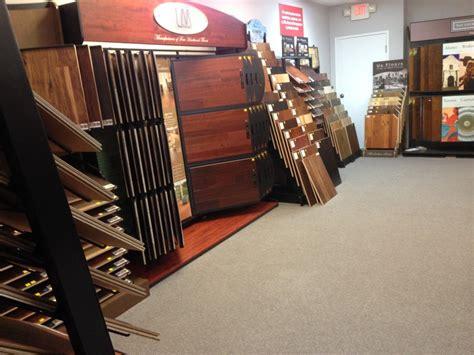 hardwood flooring store with 600 sles
