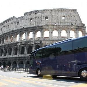 agenzia mobilita roma turistici turistici abusivo un pullman su dieci al via task