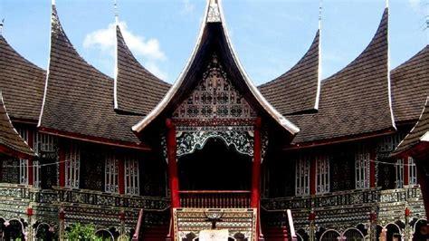 mengenal keunikan rumah gadang sumatera barat