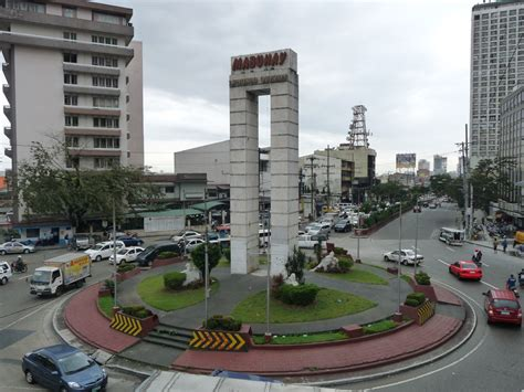 quezon city welcome mabuhay aka that rotonda in quezon city the