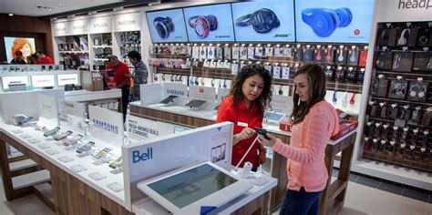 experiential electronic stores electronic store