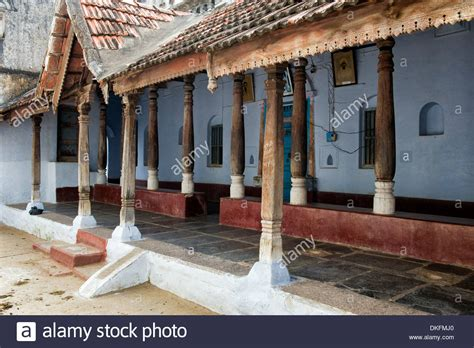 traditional south indian house with large wooden pillared - Veranda India