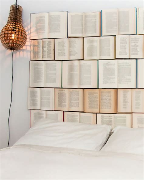 creer une tete de lit une t 234 te de lit diy avec des livres shake my
