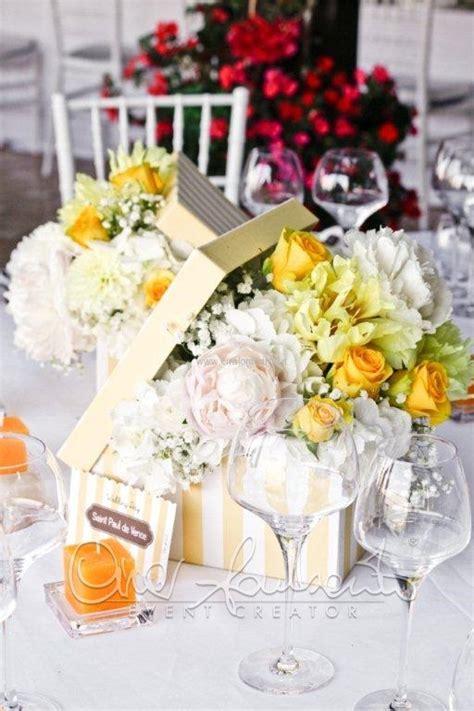 addobbi floreali tavola scatole floreali adornano il tavolo imperiale con allegria