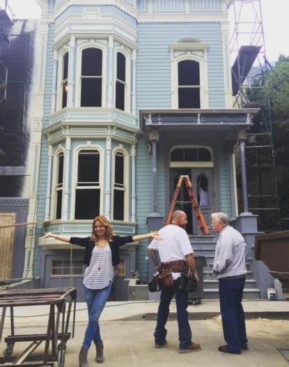 Fuller 1 Set Fuller House Season 1 Photos Pics From The Netflix