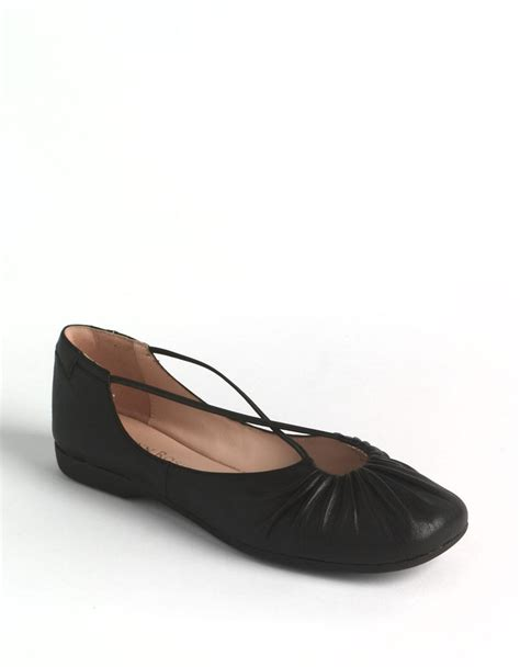 lord and shoes flats bryan ballet flats in black lyst