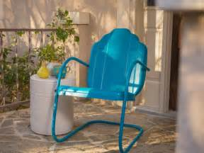 how to paint chairs how to paint an outdoor metal chair how tos diy