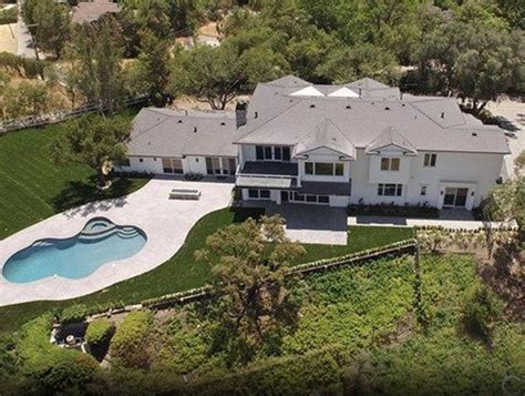kourtney kardashian s house scott disick buys house near kourtney kardashian wants to maintain sobriety