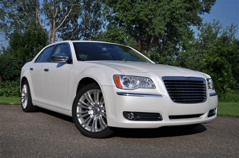 2011 Chrysler 300c 187 review 2011 chrysler 300c what it should be