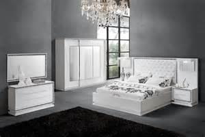 chambre a coucher blanc laque brillant 4 chambre a coucher complete - Chambre A Coucher Blanc Laque Brillant