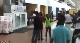 Paking Fullset I One Smash 300 strong smash mob wreak havoc at wal mart causing