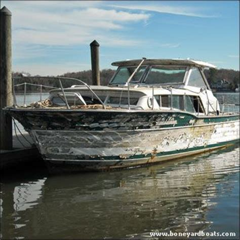 free boats free boat 1962 chris craft constellation 32 free boats