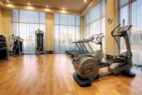 fitnessraum privat hotel banyan tree al wadi resort in the united arab