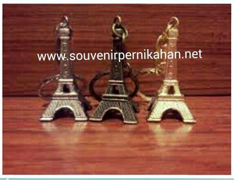 Souvenir Gantungan Kunci Eiffel souvenir gantungan kunci menara eiffel yang cantik