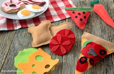 Felt Paper Crafts Ideas - how to make felt play food