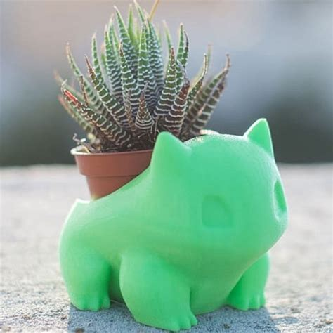 Bulbasaur Planter   ApolloBox