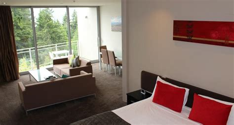 2 bedroom accommodation queenstown two bedroom lakeview apartment highview apartments