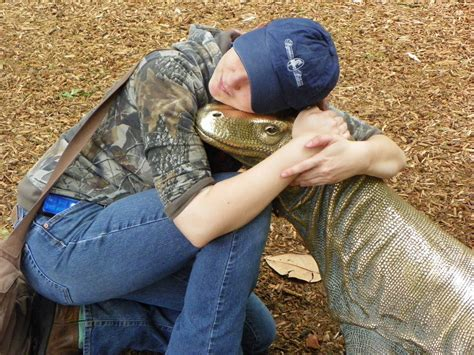 komodo dragon attack human