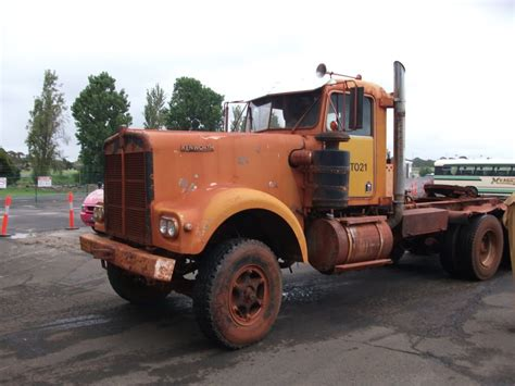 old kw trucks old kenworth and peterbilt google search peterbilt