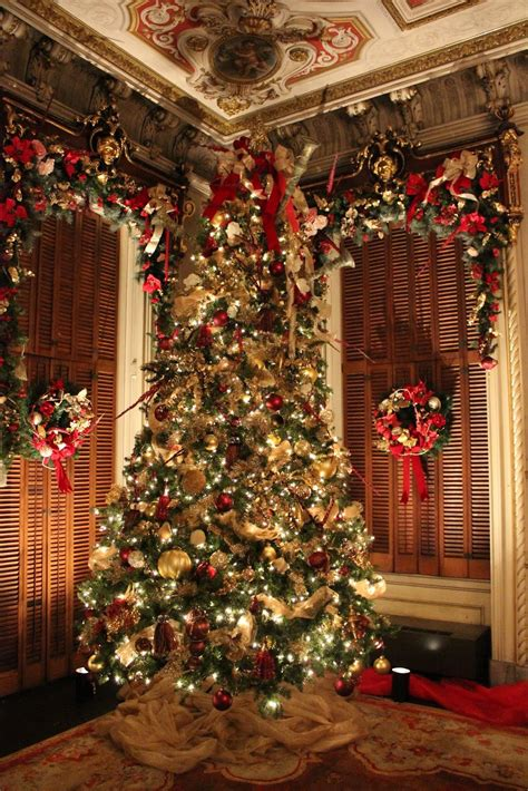 christmas tree decorating vintage style thrifty ocean breezes and country sneezes victoria mansion