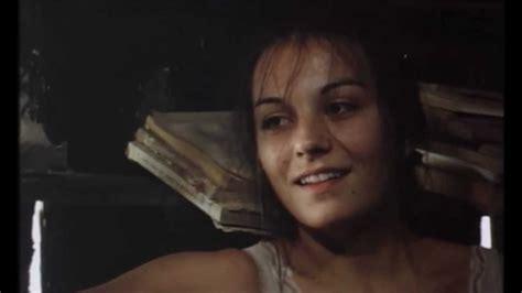 Li Bell sje艸a蝪 li se dolly bell insert iz filma