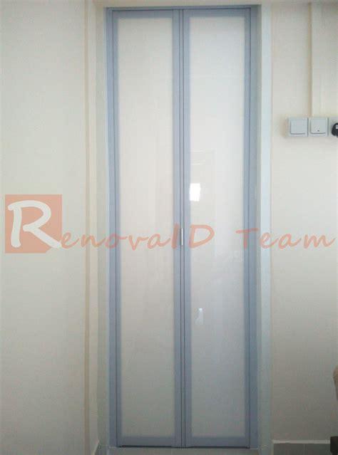 aluminium bifold toilet doors specialists  singapore