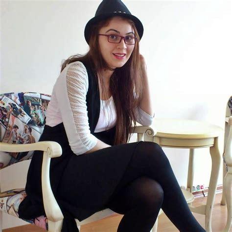 See And Save As Teen Girls Legs Socsk Nylon Turk Liseli