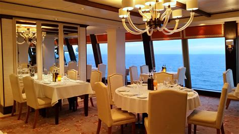 cucina restaurant la cucina italian onboard epic cruisetotravel