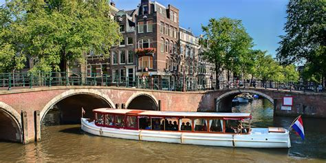 dinner on a boat amsterdam dinner cruise amsterdam canals amsterdam boat center
