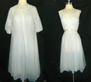 wedding peignoir sets items similar to vintage vanity fair peignoir set bridal trousseau wedding on etsy