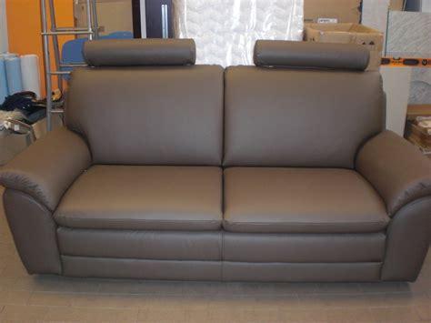 divani in vera pelle divano 3 posti in vera pelle divani a prezzi scontati