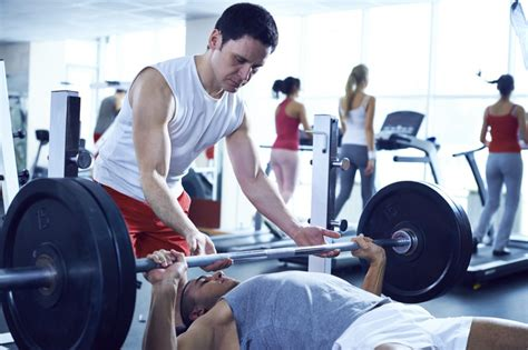 pain in shoulder when bench pressing why bench pressing is causing you shoulder pain insports