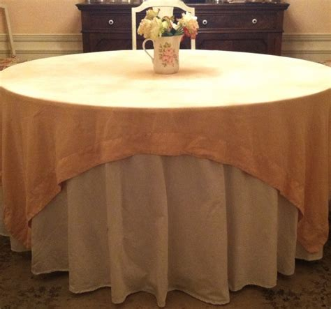 dress up your table with an easy round topper quilting digest tablecloths how to dress up your table two chums