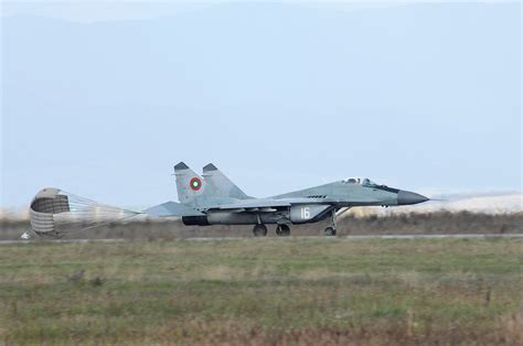 libro the bulgarian air force file bulgarian air force mig 29 jpg wikimedia commons