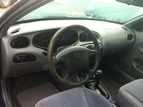 Hyundai Elantra 2000 Interior 2000 hyundai elantra pictures cargurus