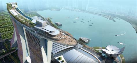marina bay sands bays architects and singapore 150 meter outdoor infinity pool marina bay sands yatzer