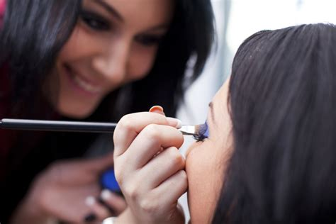 image consultant for crossdressers becoming a makeup artist beauty advisor beautylish