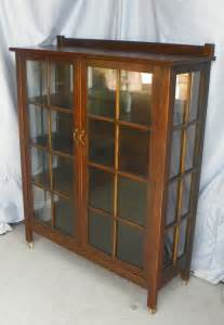 Curio Cabinets Mission Style Bargain S Antiques 187 Archive Antique Mission Oak