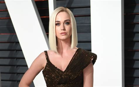 biography katy perry in english katy perry i ve loved my english boyfriends accents