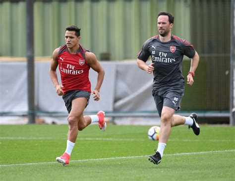 alexis sanchez gym wenger alexis will stay and he looks as sharp as ever